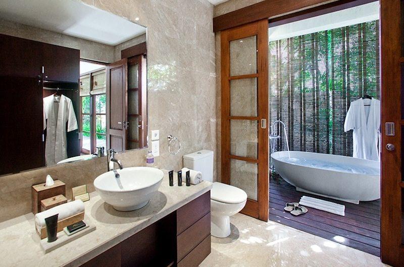 Villa Karma Cantik Bathroom I Uluwatu, Bali