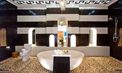 Puri Nirwana En-suite Bathroom with Bathtub | Gianyar, Bali