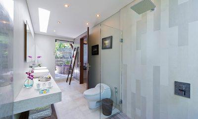 The Layar One Bedroom Villas His and Hers Bathroom | Seminyak, Bali