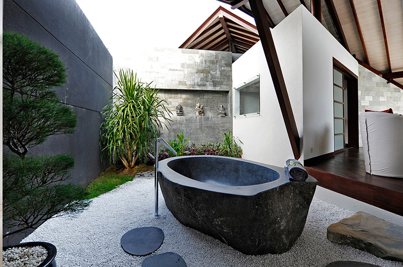 The Layar One Bedroom Villas Outdoor Bathtub | Seminyak, Bali