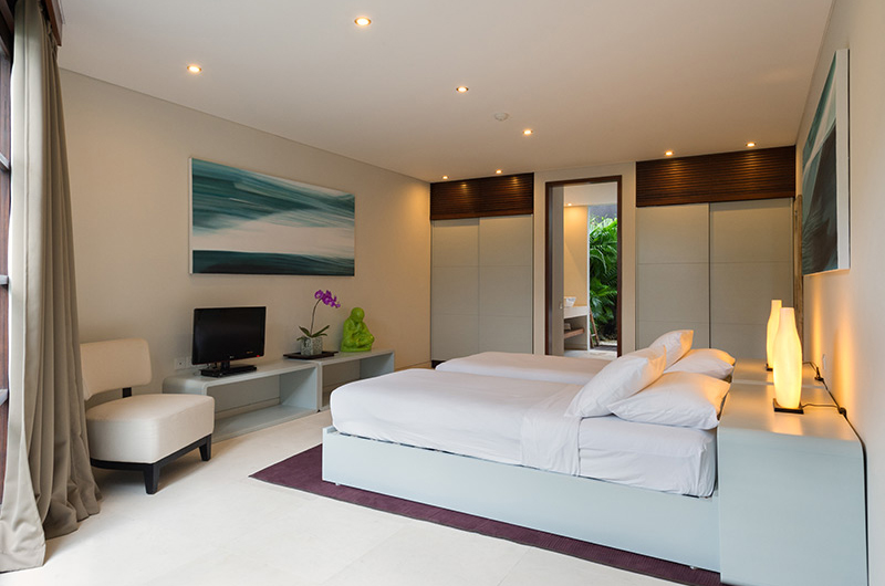 The Layar Four Bedroom Villas Twin Bedroom with TV | Seminyak, Bali
