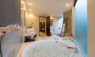 The Layar Four Bedroom Villas Romantic Bathtub Set Up | Seminyak, Bali