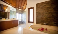 Villa Origami Bathtub   Seminyak, Bali