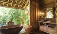 Villa Zelie Bathtub with Garden View | Canggu, Bali