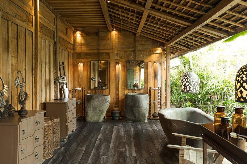 Villa Zelie His and Hers Bathroom with Bathtub | Canggu, Bali