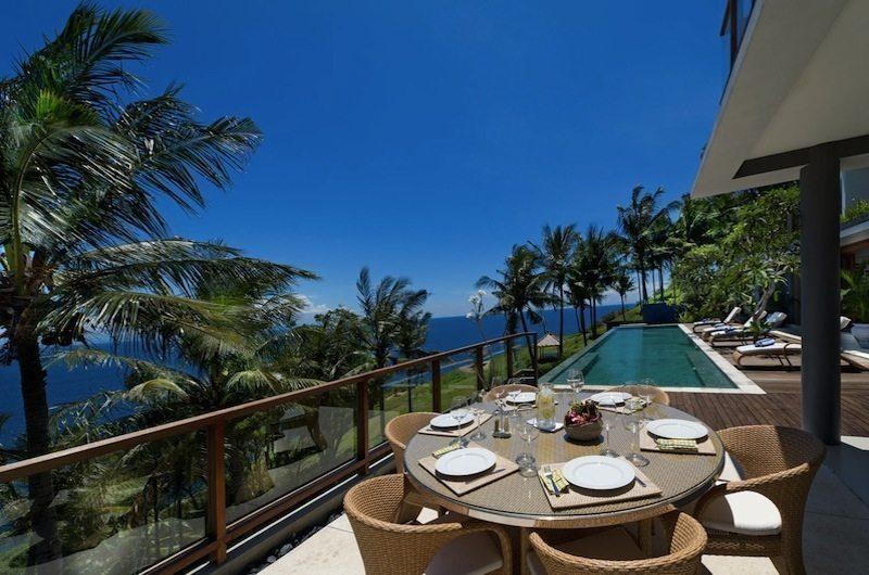 Malimbu Cliff Villa Outdoor Dining I Lombok, Indonesia