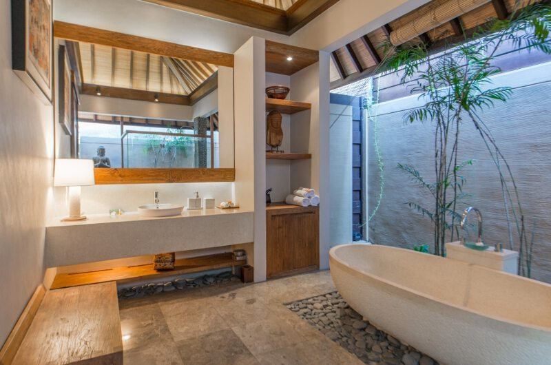 Villa Canthy Bathtub   Seminyak, Bali
