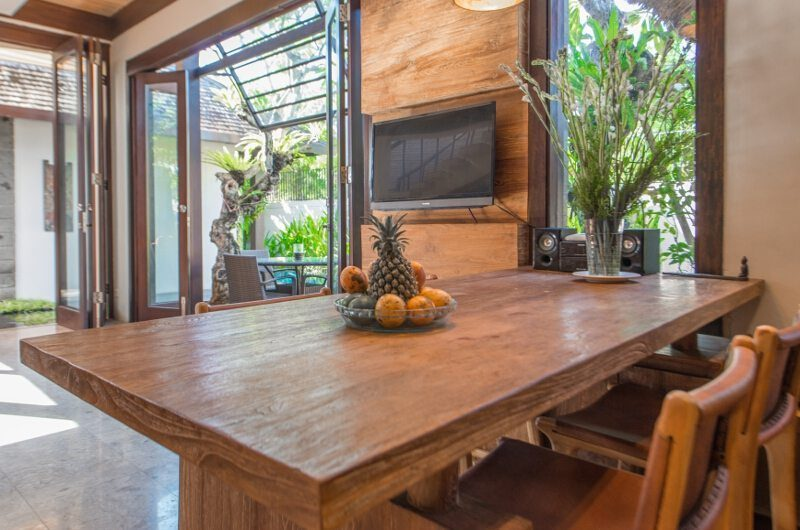 Villa Canthy Dining Table with Fruits | Seminyak, Bali