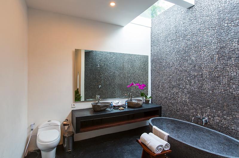 Villa Damai Lestari Stone Bathtub | Seminyak, Bali