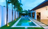Villa Damai Lestari Pool with Palm Tree on the Side | Seminyak, Bali