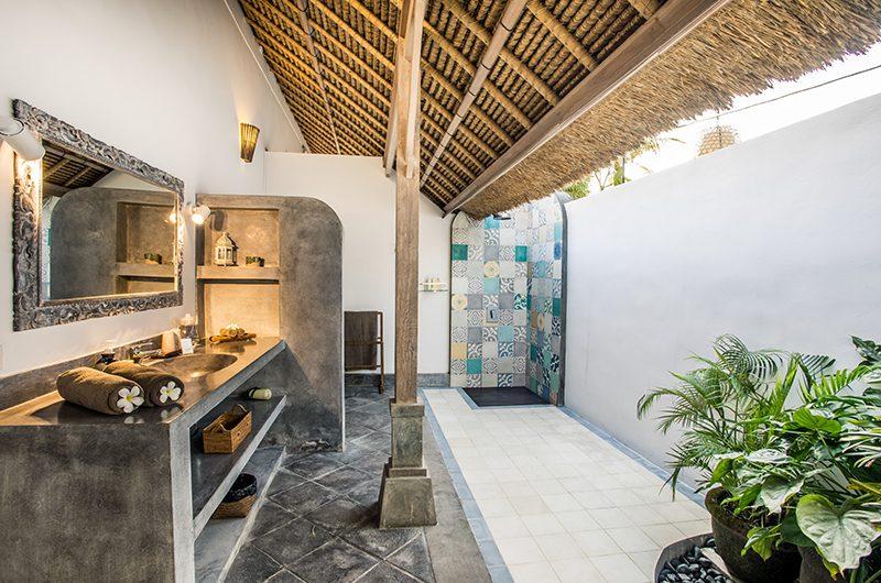 Villa Damai Manis Bathroom with Shower | Seminyak, Bali