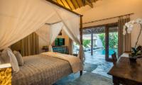 Villa Damai Manis Bedroom with Study Table | Seminyak, Bali