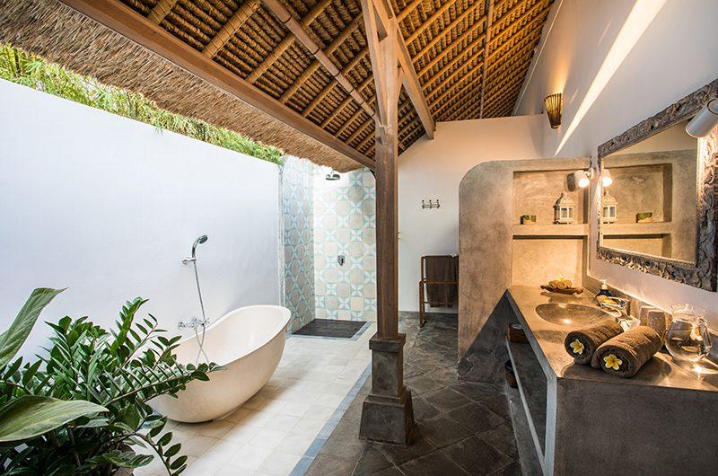 Villa Damai Manis Bathtub | Seminyak, Bali