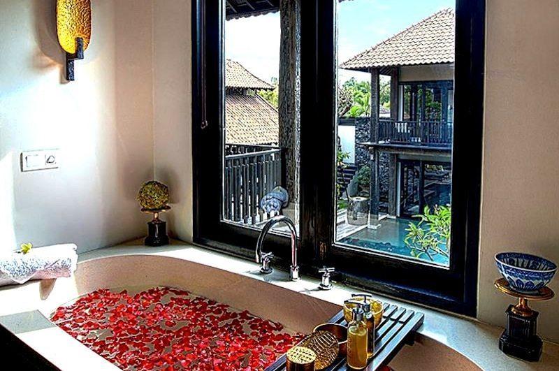 Villa De Suma Bathroom I Seminyak, Bali