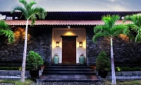 Villa De Suma Lawns | Seminyak, Bali