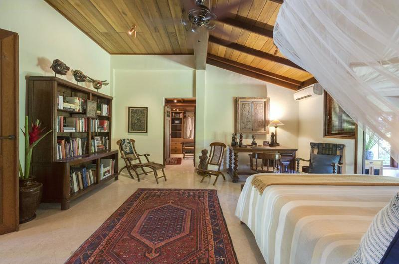 Villa East Indies Bedroom with Library | Pererenan, Bali