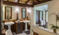 Villa East Indies En-suite Bathroom Two | Pererenan, Bali