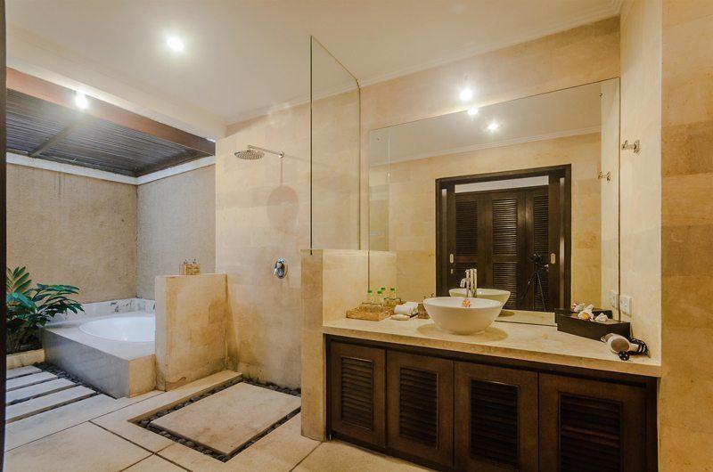 Villa Gembira Master Bathroom | Seminyak, Bali