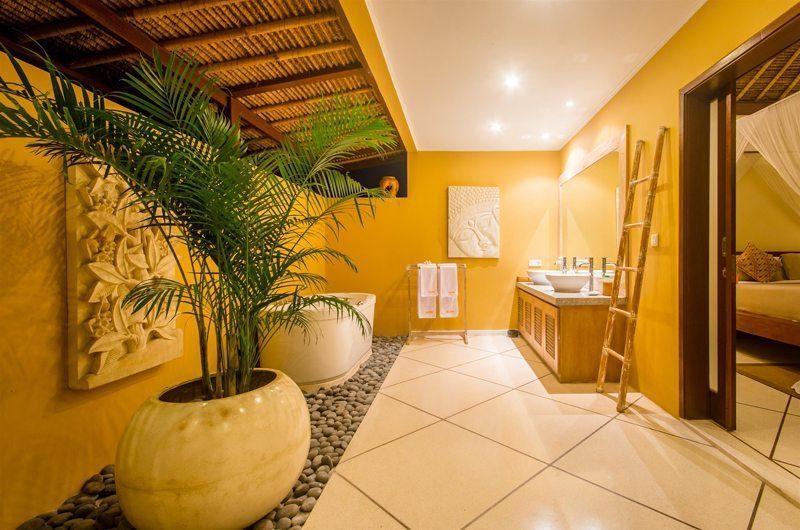 Villa Intan Master Bathroom | Seminyak, Bali