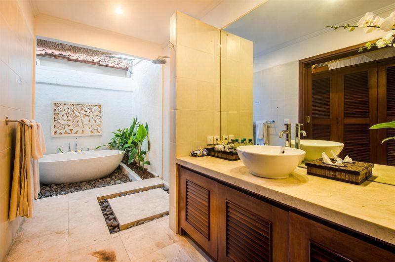 Villa Jaclan Bathroom | Seminyak, Bali