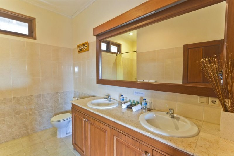 Villa Krisna En-suite Bathroom | Seminyak, Bali