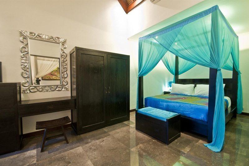 Villa Mahkota Bedroom | Seminyak, Bali