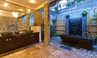 Villa Mahkota En-suite Bathroom | Seminyak, Bali