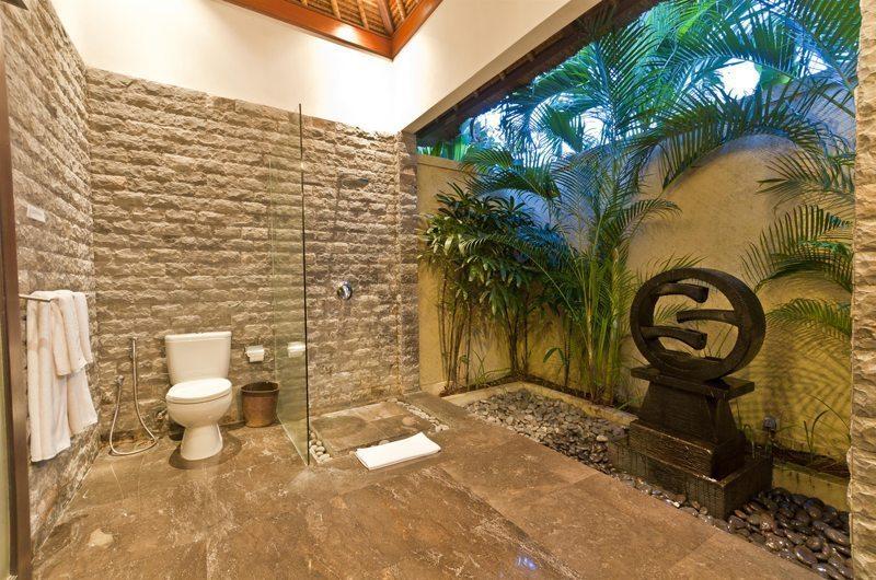 Villa Mahkota Guest Bathroom | Seminyak, Bali