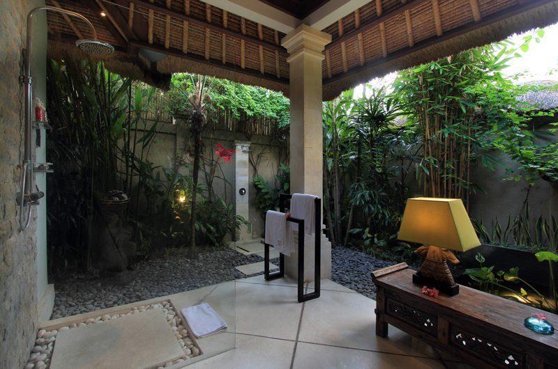 Villa Maju En-suite Bathroom   Seminyak, Bali