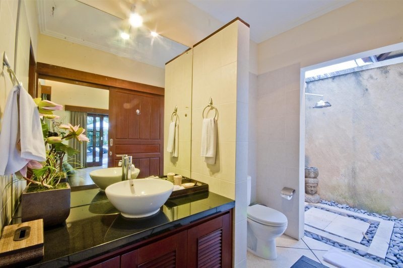 Villa Mango En-suite Bathroom | Seminyak, Bali