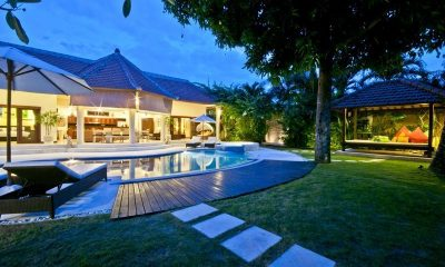 Villa Mango Sun Loungers | Seminyak, Bali