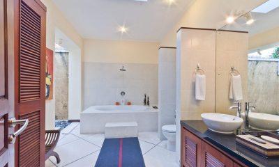 Villa Mango Master Bathroom | Seminyak, Bali