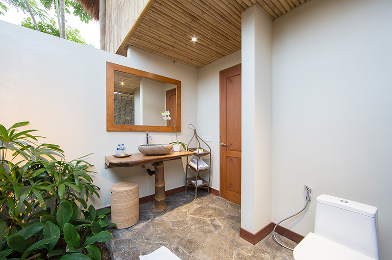Villa Omah Padi Outdoor Bathroom | Ubud, Bali