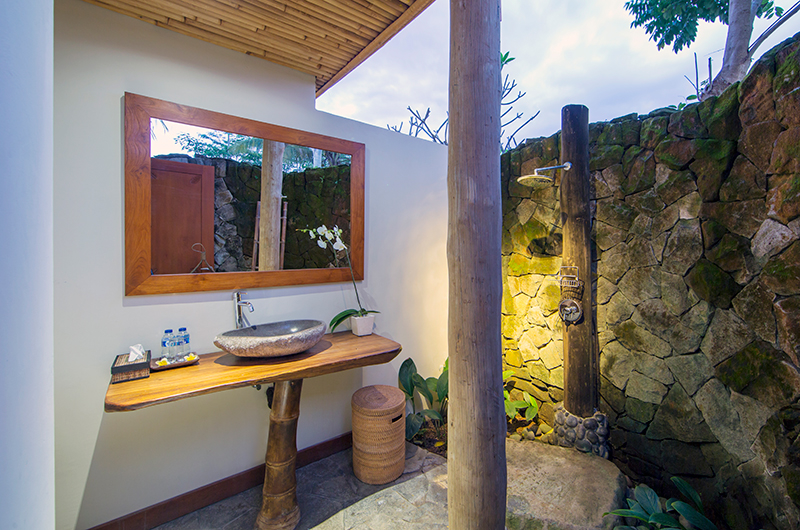 Villa Omah Padi Outdoor Shower | Ubud, Bali