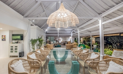 Villa Puri Balangan Dining Table | Jimbaran, Bali