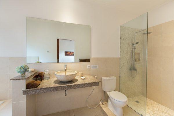 Villa Puri Temple Bathroom with Shower | Canggu, Bali