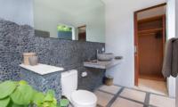 Villa Puri Temple Spacious En-suite Bathroom | Canggu, Bali
