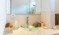 Villa Puri Temple En-suite Bathroom | Canggu, Bali