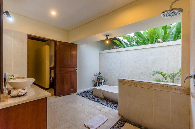Villa Santi En-suite Bathroom | Seminyak, Bali