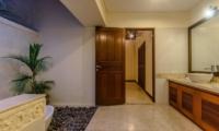 Villa Santi Bathroom | Seminyak, Bali