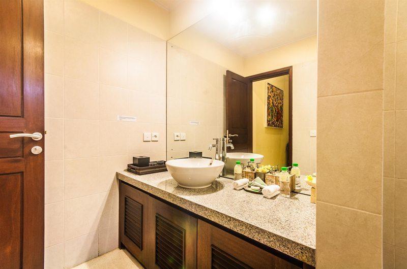 Villa Saphir Guest Bathroom | Seminyak, Bali