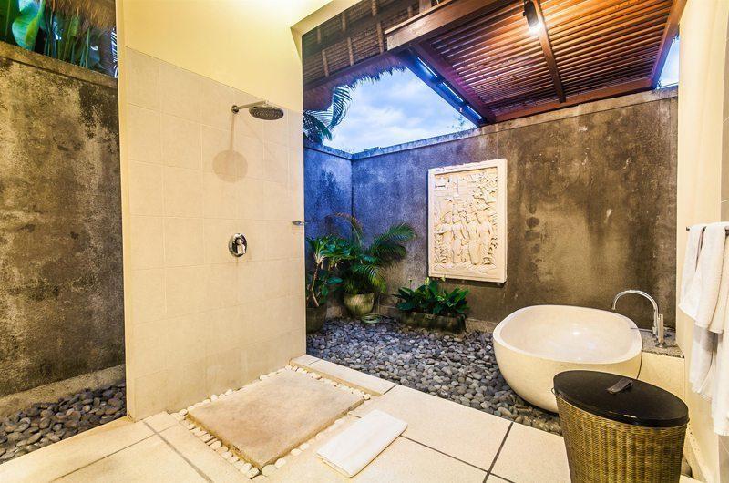 Villa Saphir En-suite Bathroom | Seminyak, Bali