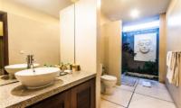 Villa Saphir Bathroom Area | Seminyak, Bali