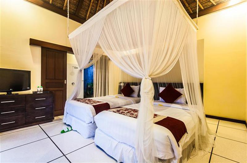 Villa Saphir Twin Bedroom Area | Seminyak, Bali