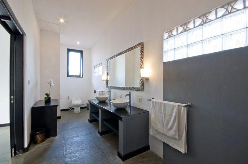 Villa Surga En-suite Bathroom   Seminyak, Bali