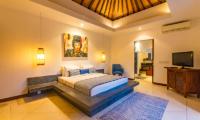 Villa Umah Kupu Kupu Bedroom with Seating | Seminyak, Bali