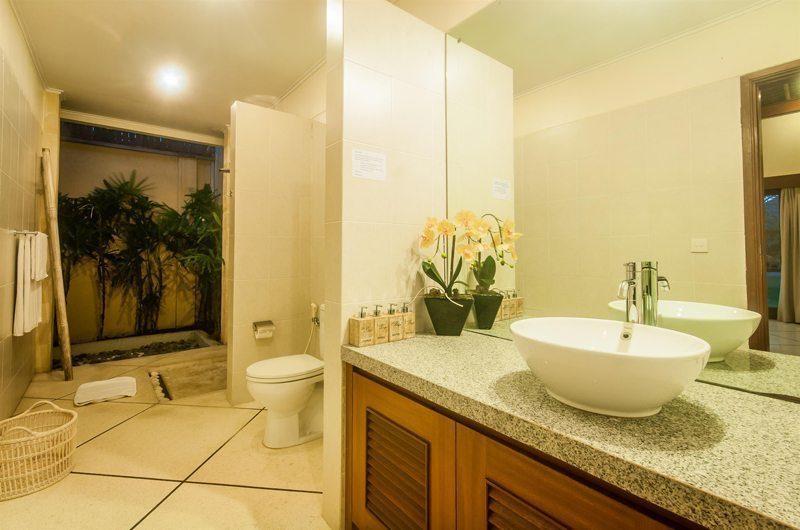 Villa Vara Guest Bathroom | Seminyak, Bali