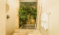 Villa Vara Bathroom | Seminyak, Bali