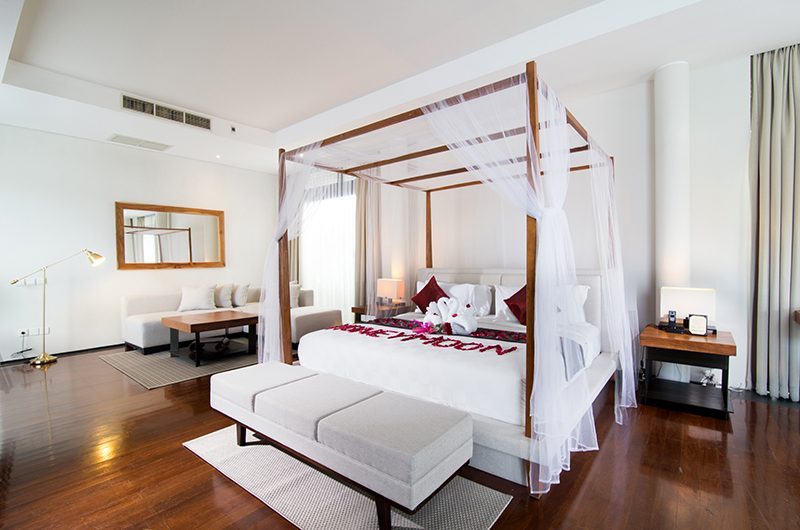 Javana Royal Villas Bedroom with Seating | Kerobokan, Bali