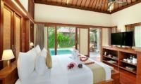 Nyuh Bali Villas Honeymoon Suite Bedroom Area | Seminyak, Bali